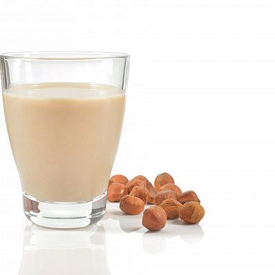 חלב אגוזי לוז
